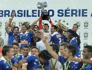 Cruzeiro Taça Brasileirão 2013 (Foto: Mauricio Paulucci)