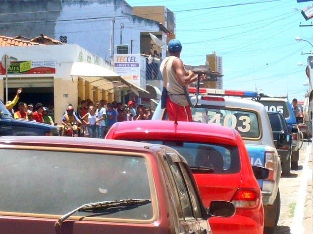 Ameaça em Pindobaçu (Foto: Blog do Walterley Kuhin)