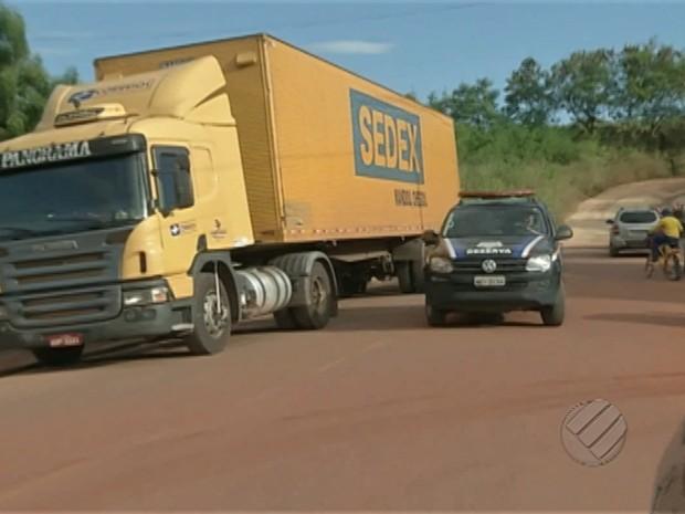 caminhão correios (Foto: Reprodução/TV Liberal)