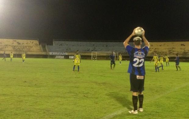 São José e Escola Paraíso tiveram jogadores expulsos na partida (Foto: Vilma Nascimento/GLOBOESPORTE.COM)