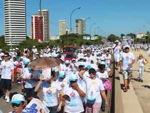 Caminhada da Fraternidade reuniu milhares de pessoas em Teresina (Foto: Gustavo Almeida/G1)