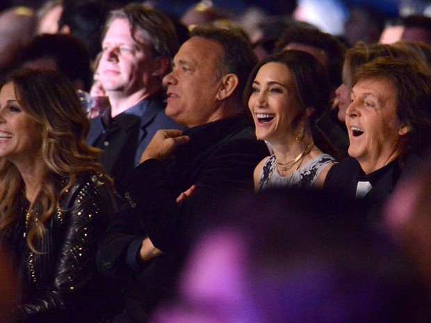 Rita Wilson, Tom Hanks, Nancy Shevell e Paul McCartney em evento em homenagem aos Beatles em Los Angeles, nos Estados Unidos (Foto: Larry Busacca/ Getty Images/ AFP)