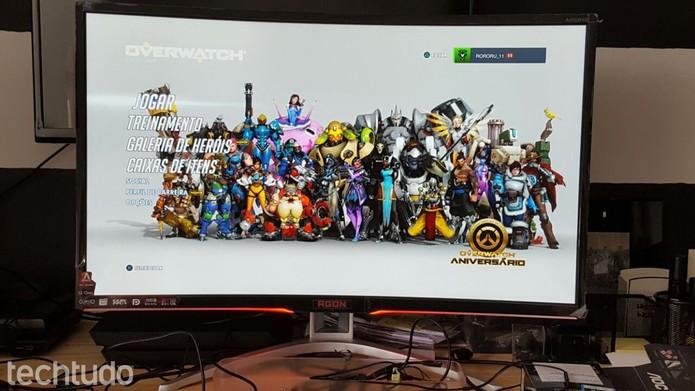 Monitor gamer Agon AG322FCX  (Foto: Rodrigo Rosalinski/TechTudo)
