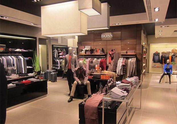 hugo boss inaugura as duas primeiras stores no rj com pe as exclusivas gq estilo. Black Bedroom Furniture Sets. Home Design Ideas