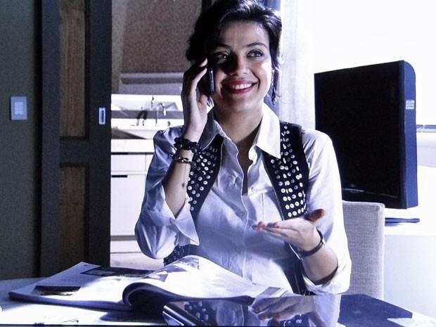 Miriam vibra ao saber que Rodrigo não se casará com Valéria (Foto: Divulgação/TV Globo)