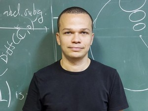 Fernando Codá é um dos nomes de referência no estudo da Matemática no Brasil (Foto: Leonardo Pessanha / Assessoria de Comunicação do IMPA)