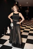 Letícia Colin usa vestido transparente para festa de 'A Regra do Jogo'