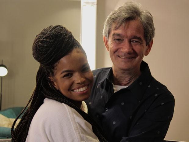Apresentador se surpreendeu com a qualidade da cantora (Foto: Marcos Mazini/Gshow)