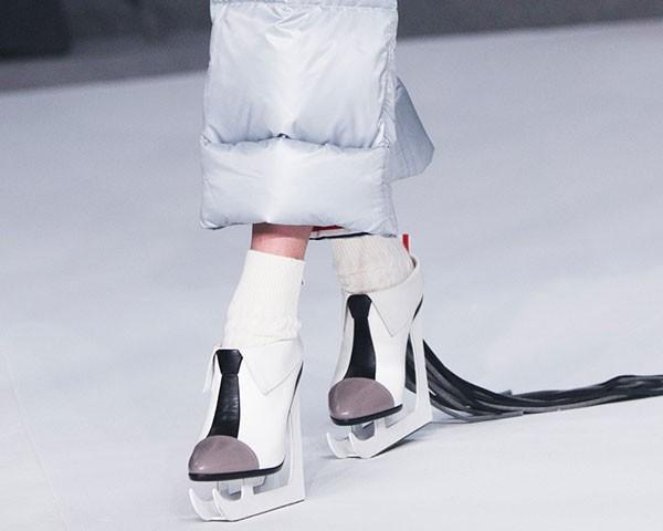 Veja os melhores sapatos das semanas de moda (Foto: Imaxtree)