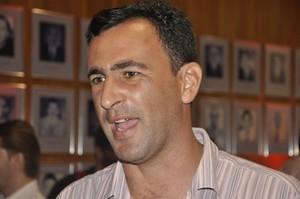 Eduardo Henrique treinador do Mato Grosso (Foto: Robson Boamorte/Globoesporte.com)