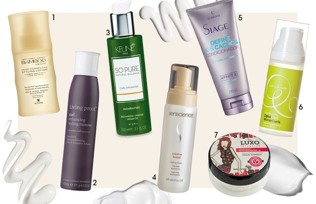 1.Loção anti-frizz Bamboo Smooth, da Alterna, R$ 159 2. Mousse realçador Styling Curl, da Living proof, R$ 194 3. Modelador de cachos So Pure, da Keune, R$ 208 4. Mousse Volume Boost styling foam, da Senscience, R$ 191 5. Condicionador Siàge Define os Cac (Foto: Arte Vogue Online)
