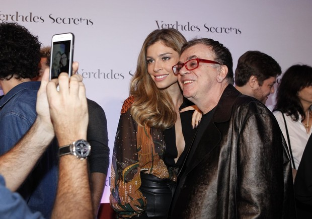 Grazi Massafera e Walcyr Carrasco em festa de lançamento de Verdades secretas no Rio (Foto: Marcos Serra Lima/ EGO)
