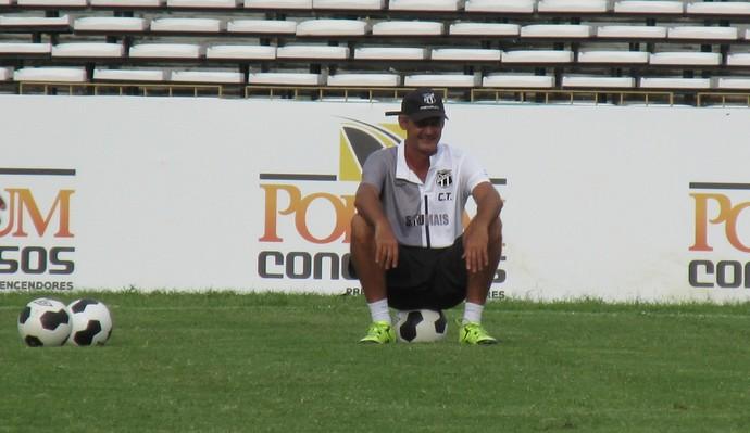 Treino Ceará no estádio Albertão  (Foto: Josiel Martins)