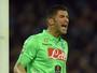 Com Rafael no banco, Napoli vence e se aproxima do vice-líder Roma