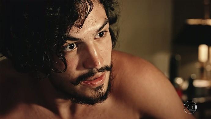 Miguel quer ouvir a verdade do tio (Foto: TV Globo)