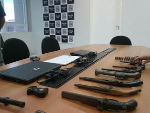 A Polícia Civil encontrou na madrugada desta segunda-feira (24), dentro da residência do gaúcho Marcelo Barberena Moraes, no Bairro Cocó, em Fortaleza (Foto: Polícia Civil)
