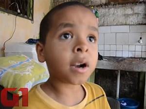 Menino de 8 anos salva avó de incêndio na Paraíba (Foto: Walter Paparazzo/G1)