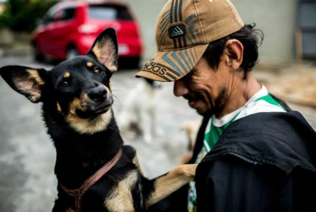 planeta_bicho_cachorro_de_rua (Foto: Alexandre Severo/Ed.Globo)