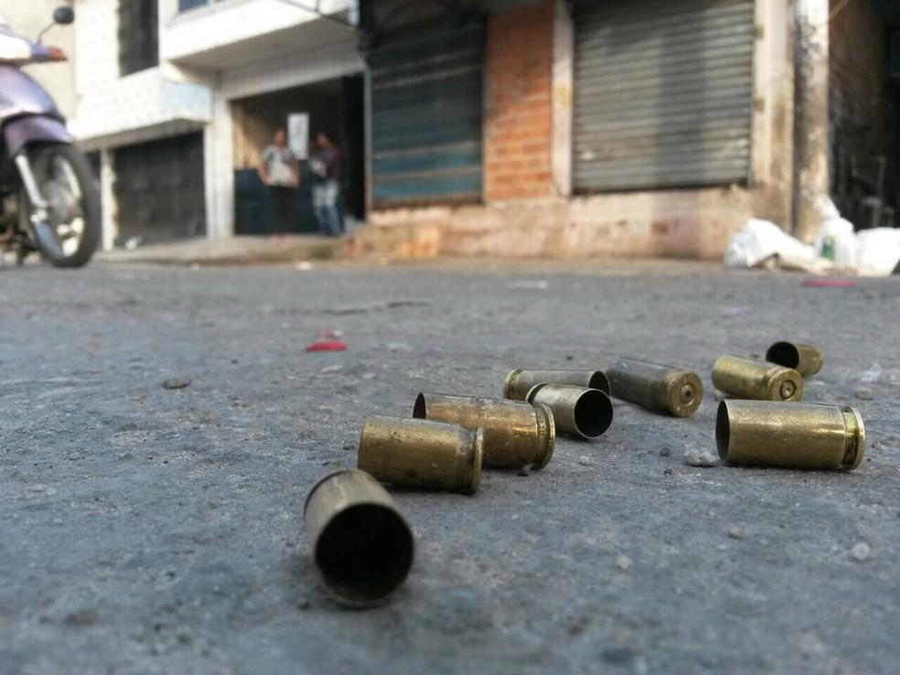 Vários tiros foram disparados durante a chacina ocorrida na noite de terça-feira (6) no bairro da Condor, em Belém. (Foto: Diego Feitosa / TV Liberal)