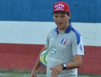 Técnico Fernando Diniz Guaratinguetá (Foto: Filipe Rodrigues)