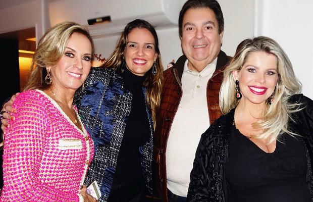 Helô Pinheiro, Luciana Cardoso, Fausto Silva e Karina Bacchi (Foto: Reprodução/Instagram)