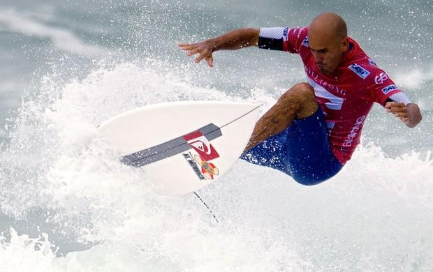 Kelly Slater surfe Rio Pro (Foto: AFP)