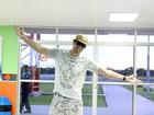 'Vim para Parintins dançar Kuduro com a galera', afirma Latino