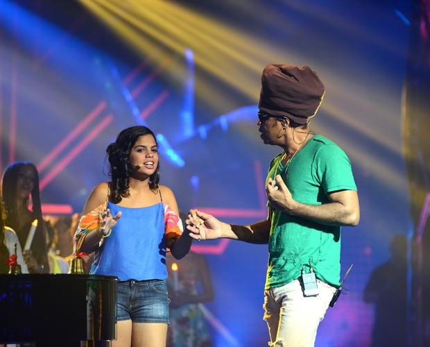 Brown ensaiando com sua filha Clara Buarque (Foto: Camila Serejo)
