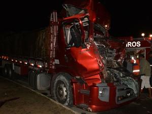 Carona do caminhão sofreu apenas escoriações leves (Foto: Anderson Oliveira/ Blog do Anderson)