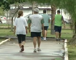 A importância de se fazer uma caminhada (Foto: Reprodução: RJTV 1ª Edição)