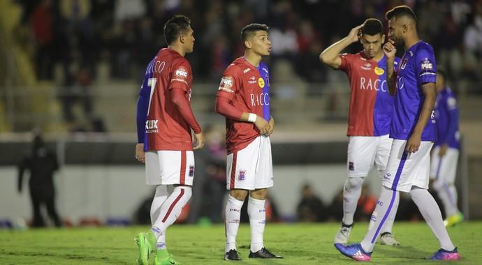 Paraná, Vitória, Vila Capanema (Foto: Giuliano Gomes/PR Press)
