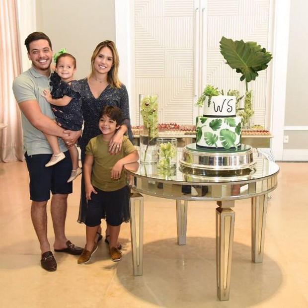 Wesley Safadão com a família em seu aniversário de 29 anos (Foto: Reprodução/Instagram)
