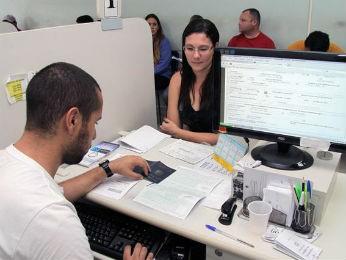 Postos estão sem atendimento devido a um treinamento para atendentes (Foto: Valdecir Galor / SMCS)