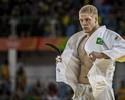Buzacarini dá canseira em campeão mundial e cai de pé nas oitavas de final