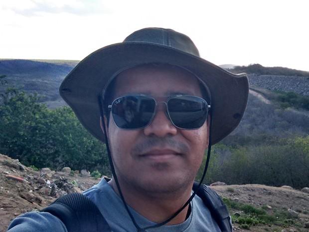 Eliakim Santos vai deixar para comprar o tablete que faltou no fim do ano e espera conseguir mais desconto (Foto: Arquivo pessoal)