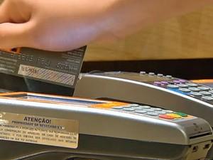 Hora 1_cartão de crédito (Foto: reprodução TV Globo)