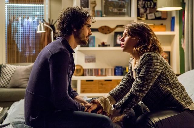 """Ruy (Fiuk) e Cibele (Bruna Linzmeyer) em &squot;A força do querer"""" (Foto: TV Globo)"""