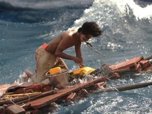 Suraj Sharma em cena de 'As aventuras de Pi' (Foto: Divulgação/Twentieth Century Fox)