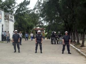 Polícia Militar bloqueia a entrada da Governadoria, em Natal #RN (Foto: Igor Jácome/G1)