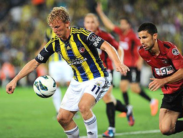 Kuyt em ação pelo Fenerbahçe (Foto: Divulgação)