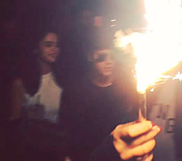 Justin Bieber e Selena  (Foto: Reprodução/Instagram)