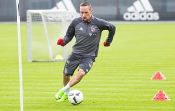 Após quase um mês parado, Ribéry  volta a treinar com o elenco do Bayern