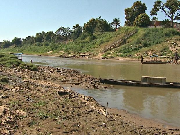 Rio Acre desceu 14 centímetros em quatro dias em Rio Branco (Foto: Reprodução/Rede Amazônica Acre)