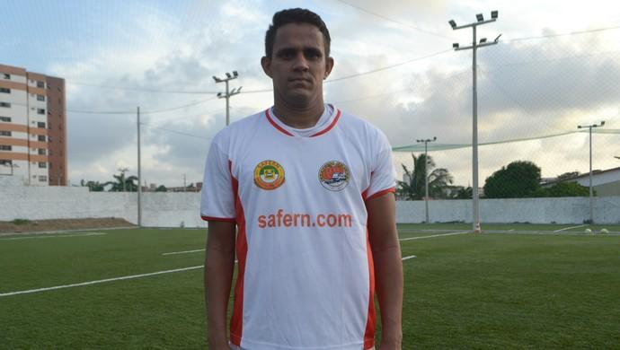 RN - Safern - Hugo, volante / meia (Foto: Jocaff Souza/GloboEsporte.com)
