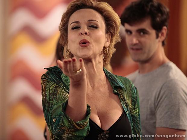 Bárbara Ellen forever! Apesar de estar no momento glamour zero, a atriz já fez sucesso, né? (Foto: Sangue Bom / TV Globo)