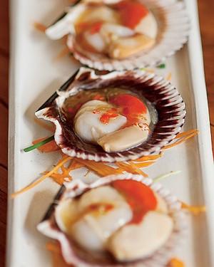 Ceviche de vieiras ao molho abalone na concha (Foto:  )