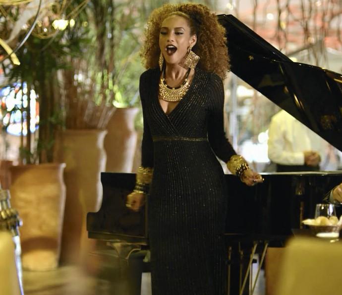 Michele muda de lugar com Brau na fama (Foto: TV Globo)