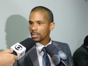 Vereador Nino do Rap (DEM) mudou voto sobre nova feira da Sulanca em Caruaru (Foto: Joalline Nascimento/G1)