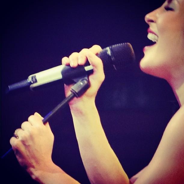 Claudia Leitte faz show em Montreaux (Foto: Instagram)