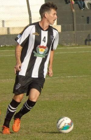 Kleber Viana, zagueiro do Atlético-ES (Foto: Karen Porto/CA Itapemirim)